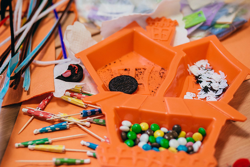 pumpkin-themed crafts